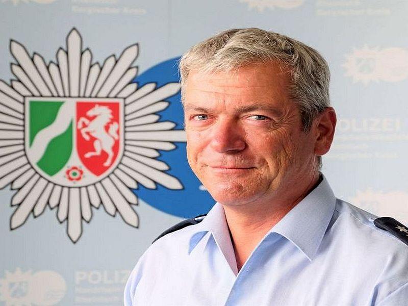Neuer Schulpolizist, Stefan Lambertz, für das Schulzentrum Cyriax